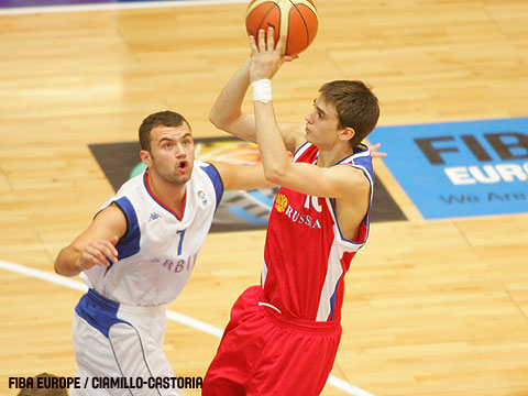 Alexey Shved (Russia) and Marko Djurkovic (Serbia)
